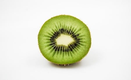 a sliced kiwi fruit